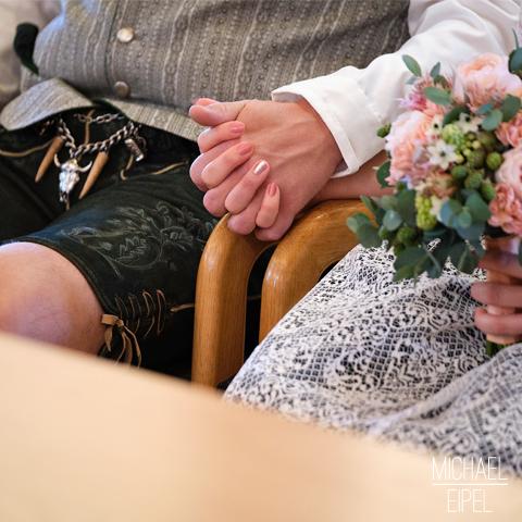 Hände halten – Hochzeitsfotografie