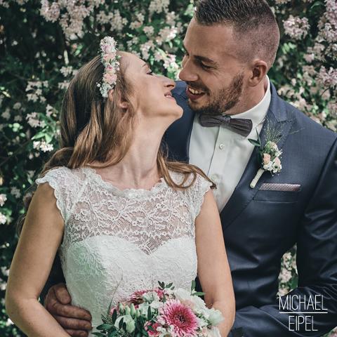 Brautpaar Küssen – Hochzeitsfotografie
