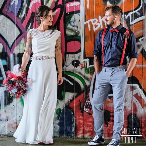 Brautpaar vor Graffity – Hochzeitsfotografie